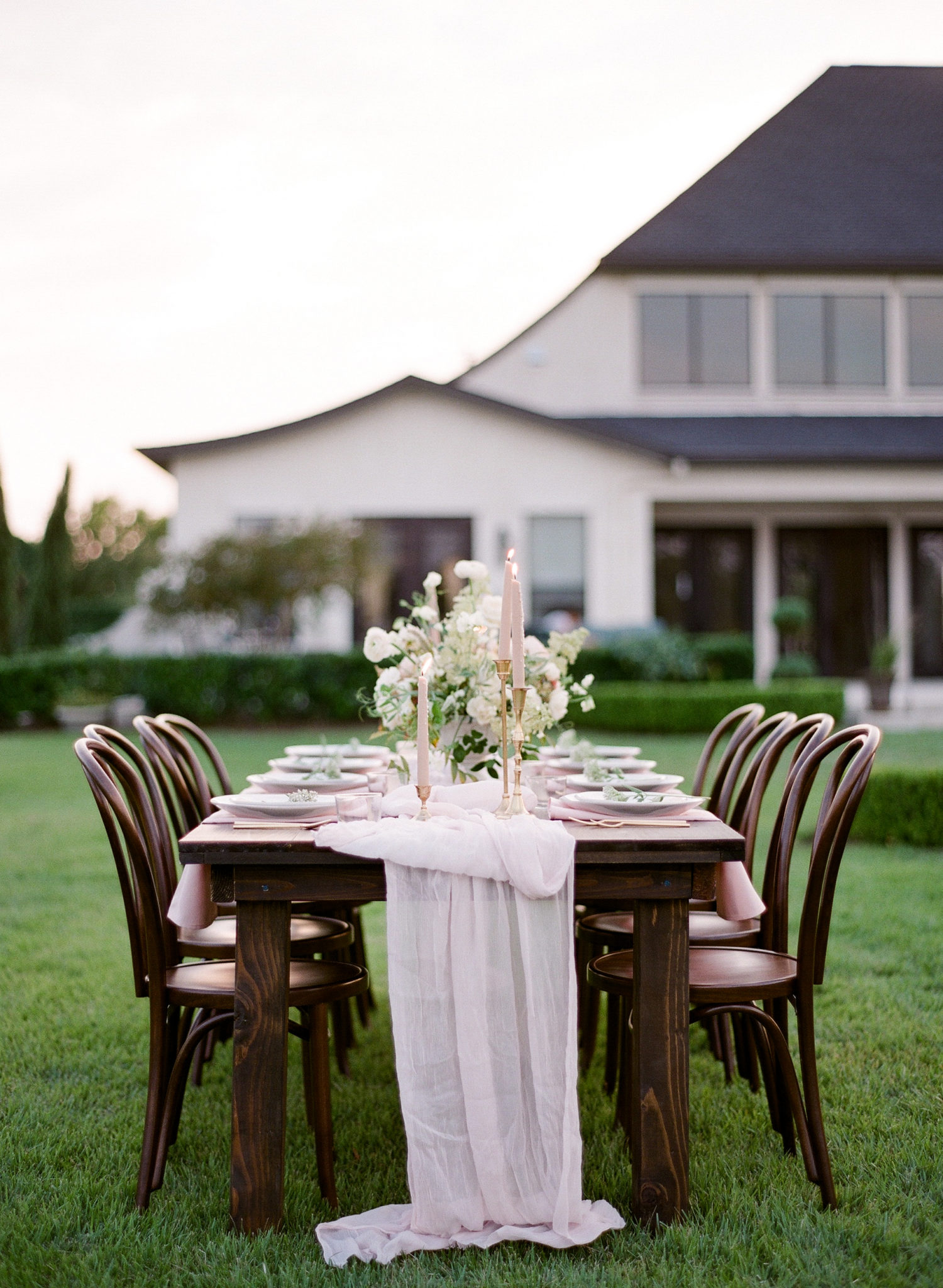 FILM - SLY Enchanted tablescape-000026190004